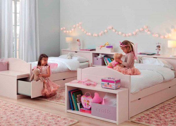 <p>Romantica habitaci&oacute;n infantil con dos camitas y cabezal corrido</p>
