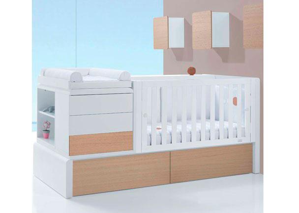 Habitación de Bebé con cuna convertible lacada en brillo modelo KURVE NATURE. Este modelo pertenece a nuestra gama de convertibles PREMIUM.