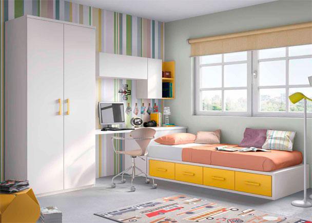<p>Juvenil con compacto 4 cajones, arcón de puerta extraíble y zona de estudio con composición mural. Junto al escritorio hay un armario de 2 puertas.</p>