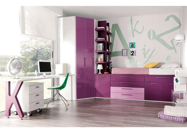 <p>Juvenil con cama compacta alta con puertas y cajones para colch&oacute;n de 90x190, Estanter&iacute;a con trasera, Armario rinc&oacute;n, mesita con ruedas y escritorio.</p>