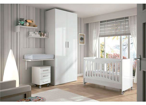 <p>Habitaci&oacute;n para un beb&eacute; equipada con una bonita cuna del modelo TOP y cambiador EVOLUTIVO en tonos claros.</p>