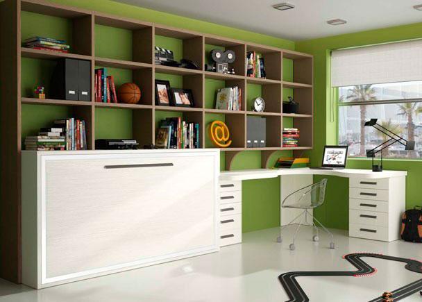 <p>Dormitorio juvenil con gran zona de estudio dejando oculta la zona de descanso con una cama abatible horizontal de 55 cms de fondo que le permite tener un estante interior de repisa que hace las funciones de mesita y estantería.</p>