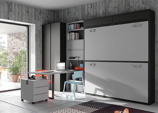 <p>Dormitorio juvenil con litera abatible horizontal con altillo para medida de colchón de 90 x 190. El ambiente se completa con un armario de 2 puertas batientes y una zona de estudio planteada a modo de península, como prolongación de la estantería central.</p>