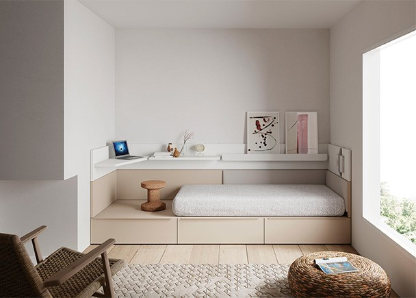 <p>Dormitorio juvenil con cama modular de cajones y arrimadero de pared compuesto por paneles ensamblables con y sin repisas.</p>