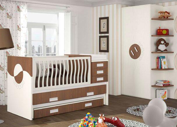 <p>Dormitorio beb&eacute; con cuna convertible de colch&oacute;n 70x140 a 90x190 con cabecero sol, cama extraible para colch&oacute;n de 90x190 y 2 cajones, incluye el colch&oacute;n cambiador y armario de 2 puertas de 102 cms con terminal estantes ondas.</p>