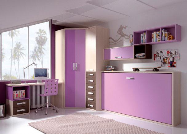Habitación infantil con cama abatible horizontal, perfectamente integrada gracias a los tonos de acabado elegidos.Sobre la pared del mueble cama, hemos r