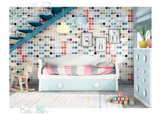 Dormitorio con cama nido con arrastre. Cuenta con arcón de puerta extraíble, escritorio, módulo sinfonier de 6 cajones y cubos diáfa