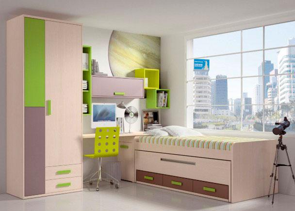 Habitación infantil equipada con un compacto de 2 camas con base de tablero. La cama superior está pensada para un somier de 90 x 190, y la