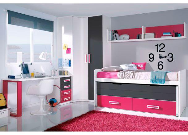 <p>Habitación infantil con armario rincón-curvo de 2 puertas.</p> <p></p> <p>Zona de descanso con mueble compacto de dos camas con nido oculto abatible y dos contenedores en su parte inferior acabados en color destacado. Sobre la cama hemos colocado un colgante diáfano abierto de 204 de ancho con trasera a tono con los complementos.</p> <p></p> <p>La mesa de estudio la forma una encimera recta de 180 de ancho que apoya sobre un módulo bajo de 45 cm de ancho y 4 cajones de colores combinados en uno de sus extremos y sobre un pie doble acabado a tono, en el lado contrario.</p>