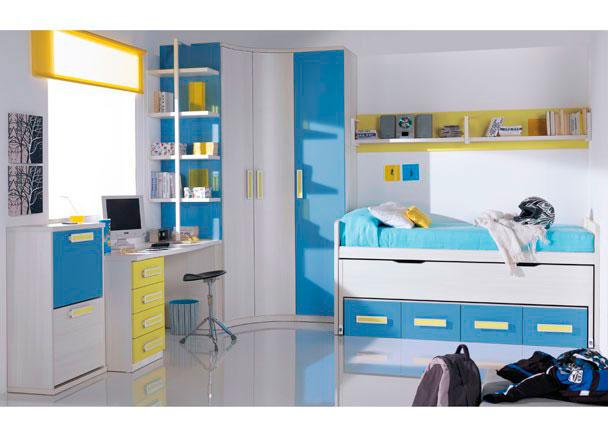 Dormitorio infantil con amplia armariada compuesta por un armario rincon curvo de 104 x 104 y 240 de altura (2 puertas) y otro armario de 45 cm de ancho (1 puer