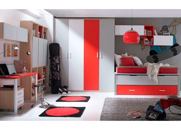 Dormitorio juvenil provisto de amplia zona de armariada compuesta por dos cuerpos de armario de 1m y dos puertas cada uno de ellos, las cuales se han destacado