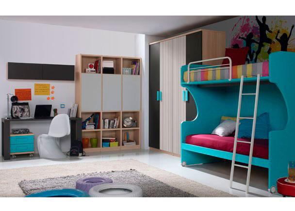 Dormitorio infantil equipado con dos armarios de 1m de dos puertas de colores combinados.Para la zona de descanso se ha elegido la solución de dos camas