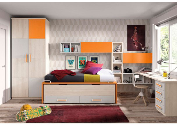 Habitación infantil con compacto de 2 camas con base de dos baules. Junto a la misma se ha colocado un armario recto de puertas japonesas. El ambiente se