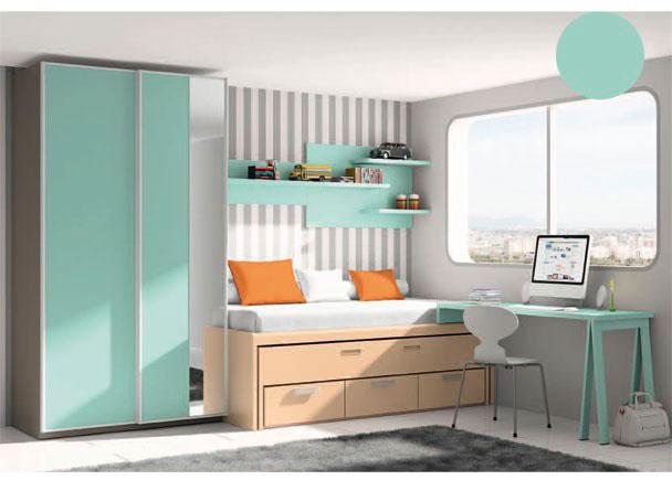 <p>Dormitorio infantil con armario de 122,1 de ancho y dos puertas correderas con perfil de aluminio.<br />La cama es un compacto de dos camas, siendo la superior de 90 x 190 y la inferior, un nido oculto de 90 x 180. Este mueble contiene 3 cajones en su base.<br /><br />La mesa de estudio la forma una encimera recta de 150,3 x 53 de fondo, que apoya sobre una pata tipo caballete en su lado exterior, y soee un costado especial, que la une al mueble compacto.</p> <p></p> <p>Sobre la pared de la cama, se ha realizado una composición a base de estantes con trasera.</p>