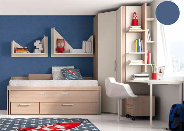 <p>Dormitorio infantil con armario rincón de puerta en chaflán. Junto al armario y discurriendo debajo de la ventana, se ha situado la mesa de estudio.</p>