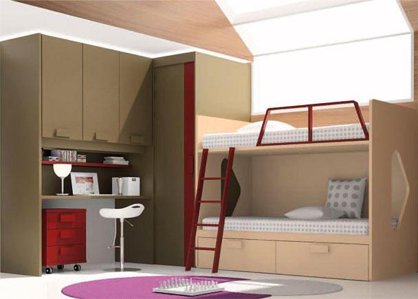 <p>Dormitorio infantil con litera de dos camas, cuya cama inferior incorpora un arrastre para cama de 90 x 190.</p> <p></p> <p>La zona de descanso se ha completado con una escalera especial para este modelo de litera y una barandilla guardamiedos.</p> <p></p> <p>La litera, se apoya lateralmente sobre el costado de un armario rinconero de puerta corredera y 1 m de profundidad.</p> <p></p> <p>Sobre la puerta ciega del armario, se apoya un altillo puente de 3 puertas (104 de alto, x 151,8 x 59,5 de fondo) que se remata por un montante lateral de 226,4 cm de altura a modo de costado que cierra la zona de estudio.<br />La pared restante debajo del altillo se ha cubierto con un panel recto del mismo acabado de los muebles.<br />La mesa de trabajo (situada entre el montante y el armario, se compone de un sobre recto de 200,4 x 60 cm de fondo.<br />Debajo de la mesa de estudio, se aloja una pequeña mesita con ruedas de 50 cm de ancho y 3 cajones.</p> <p></p> <p>Entre el altillo y la mesa de trabajo, se ha añadido un estante de pared de soporte oculto, con el mismo acabado que la mesita y los complementos de las literas.</p>