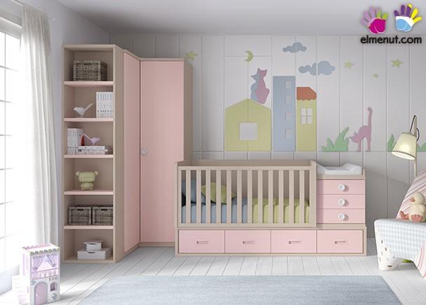 <p>Dormtorio de bebé equipado con cuna convertible para colchón de 140 x 70 y un armario rinconero con terminal de estantes.</p>