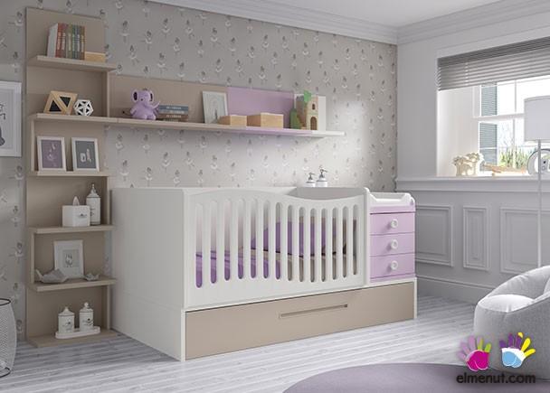 <p>Dormitorio infantil equipado con una cuna convertible de barandilla curva, para colch&oacute;n de 140 x 70 con arrastre nido. El ambiente se completa con una estanteria diafana con trasera y dos estantes de pared.</p>