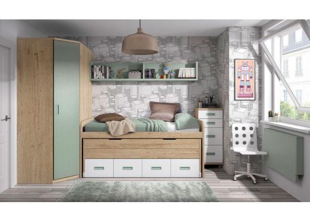 <p>Habitación infantil con compacto de dos camas y un armario rincón en chaflán. A la derecha de la composición se ha colocado un práctico sinfonier con ruedas, de 2 cajones y 2 contenedores y un escritorio abatible bajo el ventanal.</p>