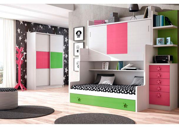 <p>Habitaci&oacute;n infantil con mueble compacto de 3 camas. Dispone de una cama superior de 90 x 190 + una cama inferior de 90 x 200 + un arrastre nido de 90 x 200. El ambiente se completa con un sinfonier de 4 cajones + 1 contenedor y unos estantes de pared con trasera, apoyados sobre el mismo.</p>