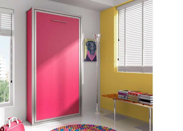 Dormitorio infantil con cama abatible vertical de 90 x 190.La composición se ha terminado con una tapa interior para camas altas y dos costados laterales