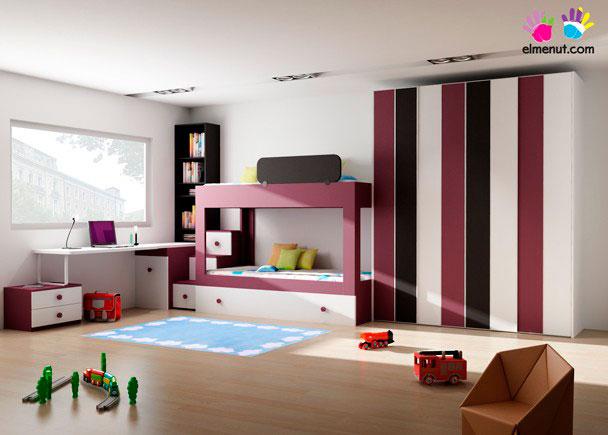 Dormitorio infantil moderno con litera con 3 camas, ideal tanto para niños de corta edad por su baja altura respacto al suelo.