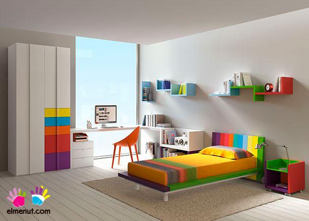 <p>Dormitorio juvenil equipado con una novedosa propuesta de muebles modulares en la que las combinaciones de color marcan un nuevo orden.</p>