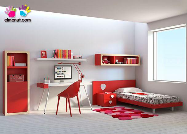 Divertida habitación juvenil equipada con una novedosa propuesta de muebles modulares en la que las combinaciones de color marcan un nuevo orden.Los elem