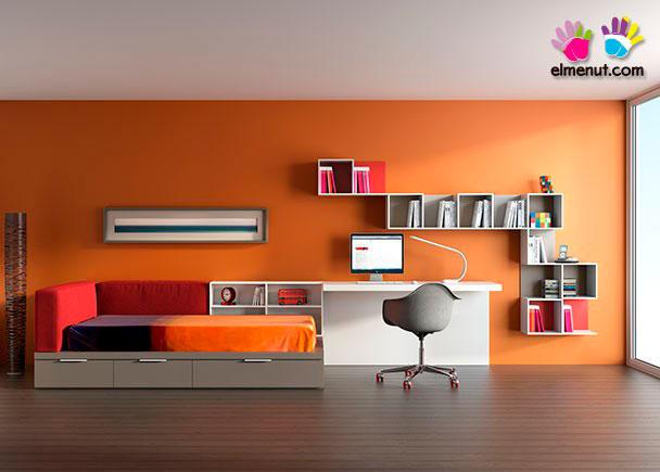 <p>habitación juvenil equipada con divertido programa modular en el que tu eliges los colores protagonistas.<br /><br />Los elementos que aparecen en la presente imagen son los siguientes:<br />-Cama modelo PLAY para colchón de 180 x 90.<br />Incluye: Cabecero y Trasera Tapizados<br />+ Librería Baja-Respaldo y arrastre nido<br />(no necesita somier superior).<br />Medidas: 210 x 120 F x 28 h (Base nido) x 75 h Total . <br />***NOTA***<br />La cama inferior adminte un colchón de 90 x 180 x 18 h máxima.<br />-Escritorio modelo PLUS con panel inferior.<br />Medidas: 165 x 55 F</p>