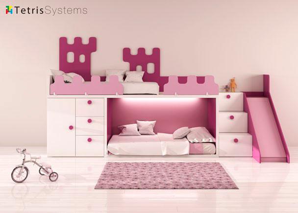 Habitación infantil con Litera RUBBIK con escalera de 3 peldaños y composición mural. Las barandillas y respaldo tienen diseño de ca
