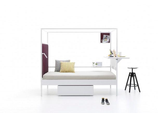 <p>Cama combinable de estructura metalica de 90 x 200. Como complemento lleva un cabezal tapizado liso, una mesa alta para literas, un caj&oacute;n nido y un anaquel.</p>