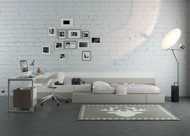 <p>Dormitorio Juvenil con sistema modular de cubos con somier de arrastre + credencia de 4 cajones y escritorio recto de 2 metros x 56 cm de fondo.</p>
