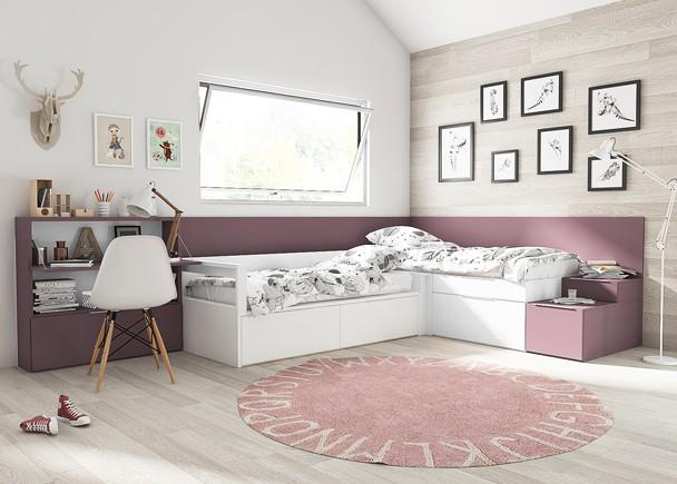 <p>Dormitorio infantill compartido de linea modular, equipado con&nbsp;dos camas dispuestas en L, compuestas a base de m&oacute;dulos base de gran capacidad, combinados con un elemento&nbsp; angular que sirve de enlace entre ambas, adem&aacute;s de otro m&oacute;dulo apilable situado sobre una de las camas y que la iguala en altura&nbsp; al arc&oacute;n esquinero, resultando un ambiente a dos niveles.&nbsp;El equipamiento se completa con unos paneles arrimaderos en &aacute;ngulo, y una librer&iacute;a con secreter de tapa abatible.<br />Todo el conjunto queda unido gracias los&nbsp; paneles arrimaderos en un mismo tono de acabado.</p>