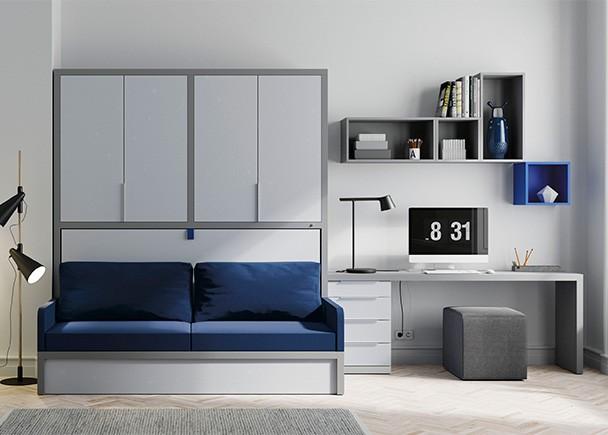 <p>Habitación juvenil con cama abatible horizontal con sofá, para medida de colchón de 90 x 190. El mueble viene con armario de 4 puertas batientes en la parte superior. Además el ambiente queda completado con una zona de estudio con cajonera inferior y composición mural asimétrica.</p>
