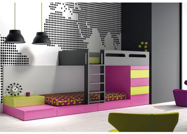 <p>Dormitorio infantil con camas cubo tipo Tren.<br />Los elementos que aparencen en la imagen son los siguientes:&nbsp;&nbsp;<br />-Litera Tren Izquierda con Protector Cerrado.<br />&nbsp;Medidas: 200 x 143 h x 100 F&nbsp;<br />-Modulo con Cajon para base Camas Cubo.<br />&nbsp;(Sin Z&oacute;calo) Medidas: 100 x 30 h x 100 F&nbsp;<br />-Modulo con 1 Cajon para base Camas Cubo.<br />&nbsp;(Sin Z&oacute;calo) Medidas: 66,7 x 30 h x 100 F&nbsp;<br />-M&oacute;dulo apilable de 1 caj&oacute;n para camas tipo Cubo. &nbsp;Medidas: 66,7 x 25 h x 50 F&nbsp;<br />-M&oacute;dulo de 4 cajones + 1 contenedor fondo cama. &nbsp;Medidas: 66,7 x 130 h x 100 F&nbsp;</p>