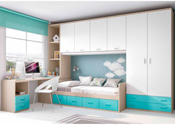 Dormitorio infantil con armario de 2 puertas y 2 cajones vistos. La cama es un compacto de 4 cajones. Cuenta además con escritorio con librería y