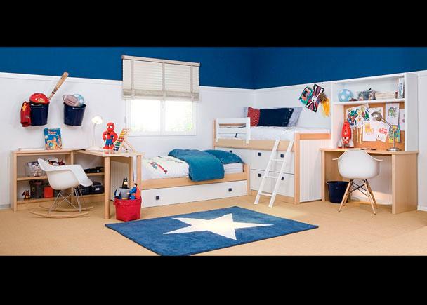 Dormitorio infantil equipado con los siguientes elementos:-Cama Block de 90 cm con 4 cajones + arcón-Nido mixto modelo Bahía para somier de 90 x 1