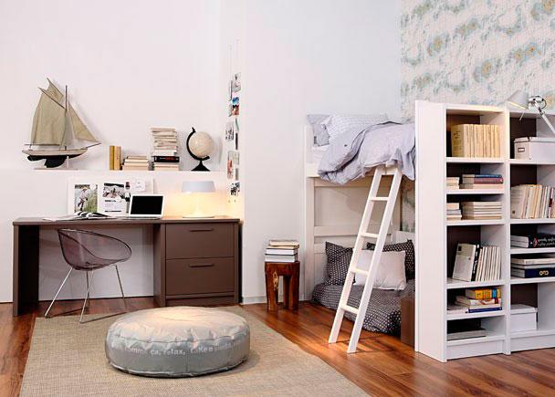 Habitación infantil de gran calidad de diseños sencillos inspirados de la decoración colonial.