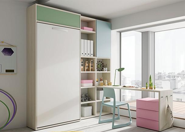 <p>Dormitorio juvenil con cama abatible vertical librer&iacute;a y zona de estudio con escritorio de 180 cm de largo.</p>