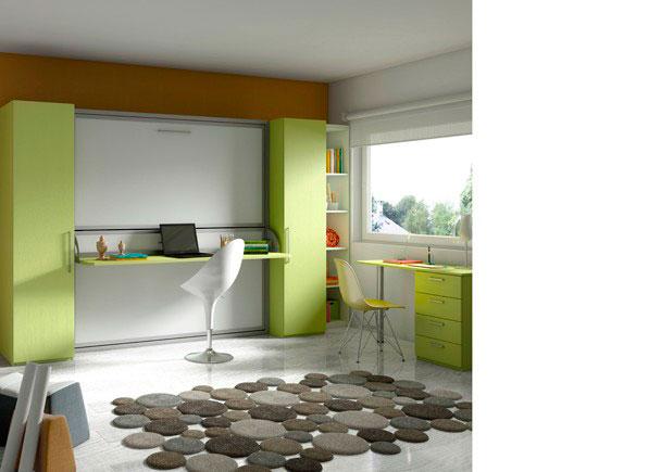 Dormitorio infantil con cama abatible doble horizontal + zona estudio con escritorio recto sobre un módulo de apoyo de 4 cajones y una pata cilindrica metálica. La composición cuenta además con dos armarios de 50 cm y una librería.