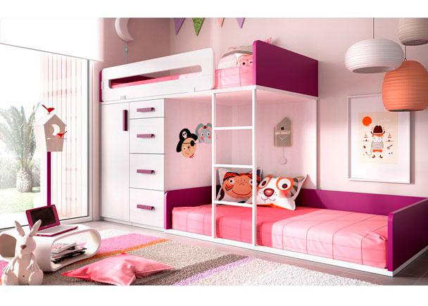 <p>Dormitorio Infantil con camas Tren. La cama alta apoya sobre 2 módulos Block (Armario y un módulo de cajones). La inferior es una tarima a ras de suelo.</p>