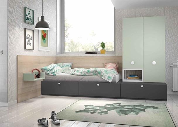 <p>Habitaci&oacute;n juvenil equipada con elementos modulares base y apilables, entre los que destaca la cama con base de 2 cajones nido y los armarios apilables.</p>