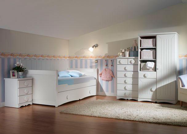 <p>Dormitorio juvenil de un programa modular de gama alta fabricado en DM macizo lacado.</p>