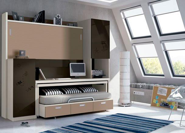 <p>Habitaci&oacute;n juvenil con mueble compacto abatible autoportable. Las camas son de 90x190 y con 2 armarios de 50x70 de fondo cada uno. Altura 238,5 cm.</p>