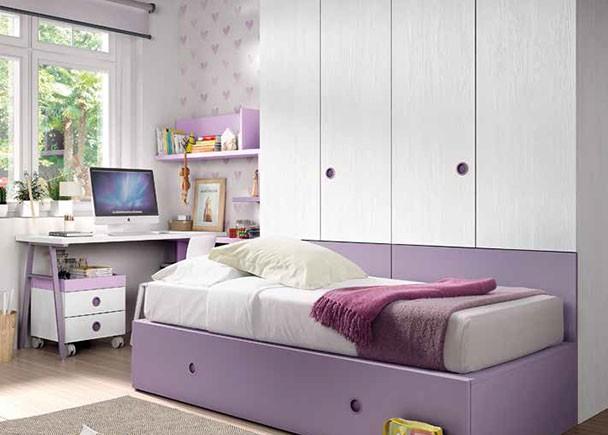 <p>Dormitorio infantil con cama nido con somier de arrastre para colchón de 90 x 190 y armario de puertas plelgables situado como trasera de la misma. El ambiente se completa con una zona de estudio planteada en rincón.</p>