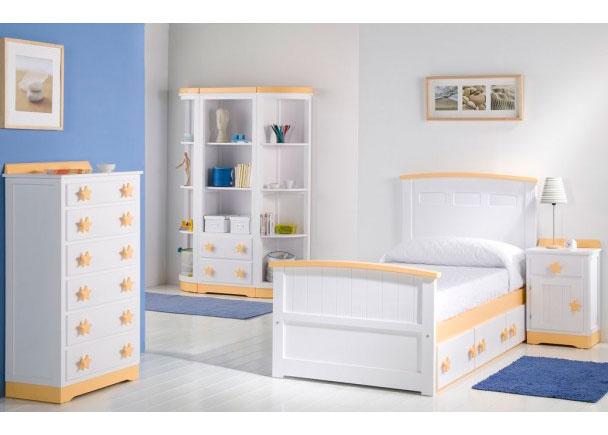 Dormitorio infantil lacado equipado con una cama nido con base de cajones, un sinfonier de 6 cajones y una librería con dos cajones en la parte inferior y terminales curvos.