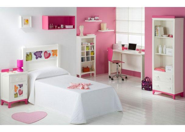 Dormitorio Juvenil lacado en blanco con decoración de corazones, librerías, escritorio y estantes