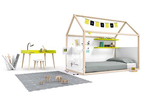 <p>Cama forma de casita, fabricada en madera de haya + complementos personalizables.</p>