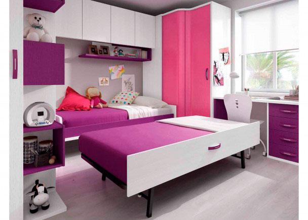 <p>Habitación infantil con cama nido con somier de arrastre y dos armarios rinconeros con altillo entre ambos. Dispone terminal zapatero y escritorio.</p>