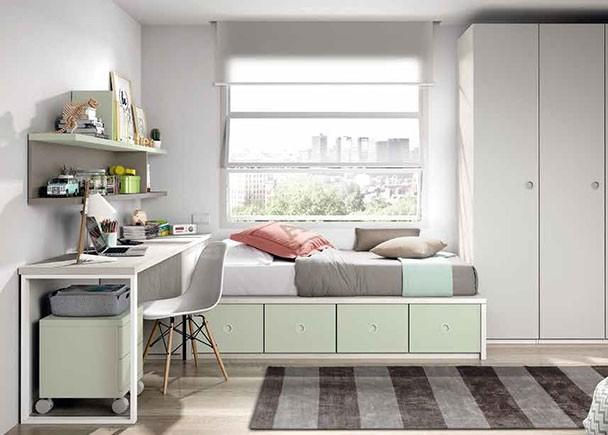 <p>Dormitorio juvenil con compacto bajo de 4 contenedores, un armario recto de 3 puertas y zona de estudio.</p>